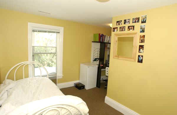 116 square foot l shaped second floor bedroom plus closet